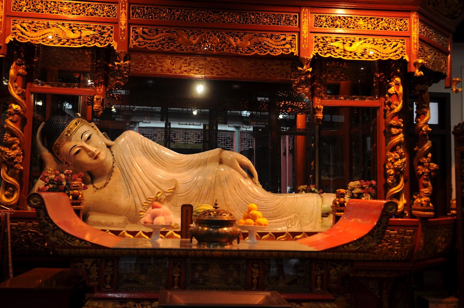 Tượng Phật Ngọc