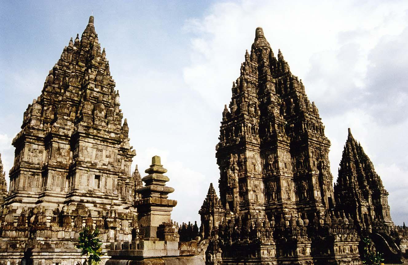 Mua vé máy bay đi Indonesia giá rẻ