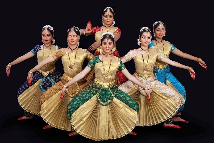 vũ điệu Bharatanatyam