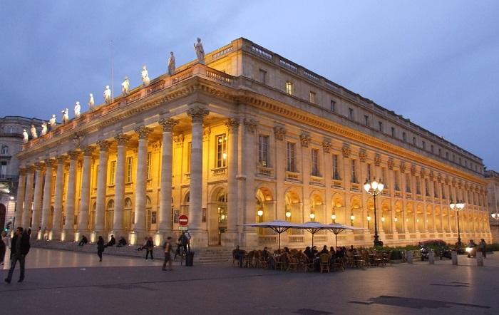 nhà hát lớn Grand Theatre