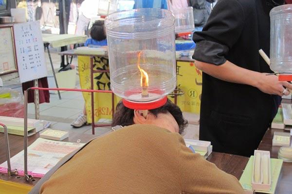 Độc đáo massage tai tại chợ đêm Đài Loan