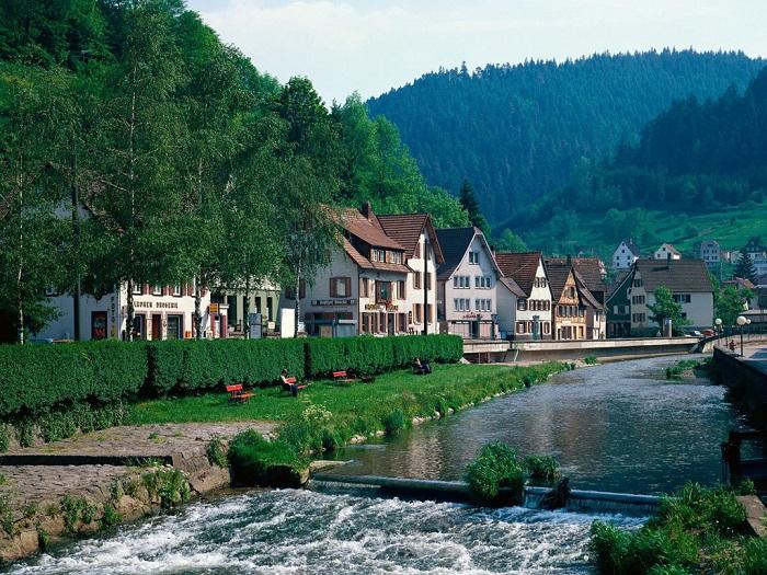 Đến với nước Đức, bạn sẽ cảm thấy vô cùng gần gũi bởi những đường nét kiến trúc cổ nơi đây, đó là nét đặc trưng của những nước châu Âu