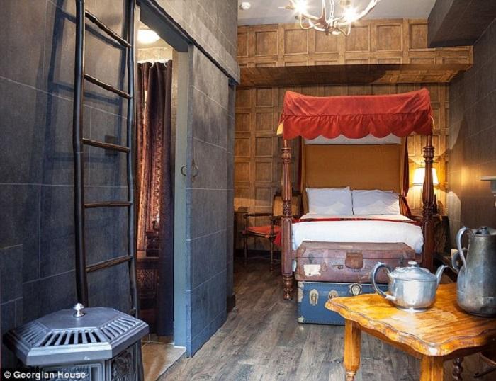 Phòng khách sạn đặc biệt này sẽ cho du khách cảm giác như được thật sự ở trong thế giới ma thuật của Harry Potter