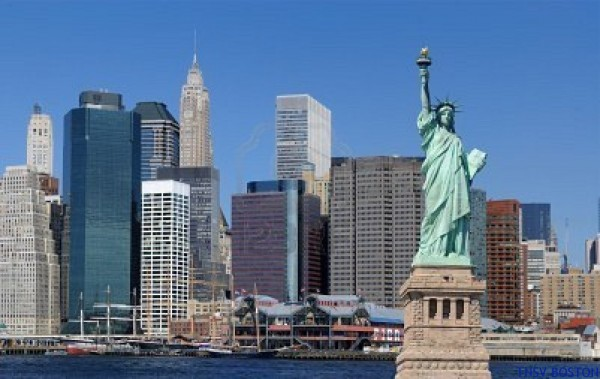statue-of-liberty-against-the-impressive-new-york-city-skyline