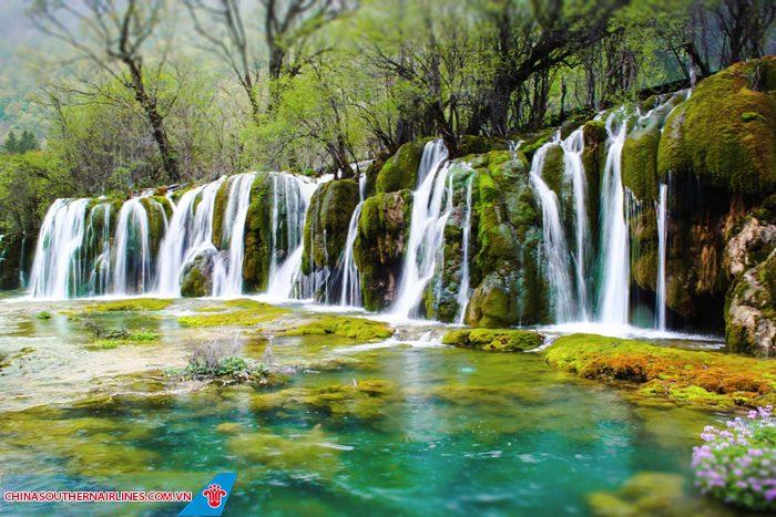 Du khách nhất định phải đi Cửu Trại Câu của Trung Quốc vào tháng 12