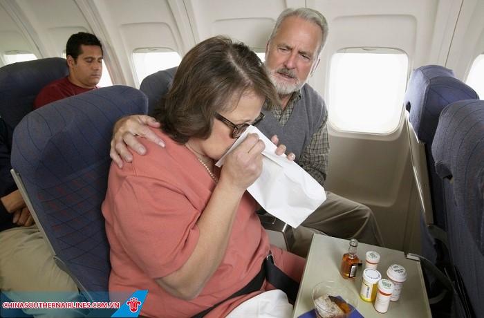 China Southern Airlines đồng hành hết mình vì người già.