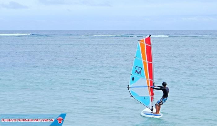 Tham gia nhiều hoạt động thể thao trên biển