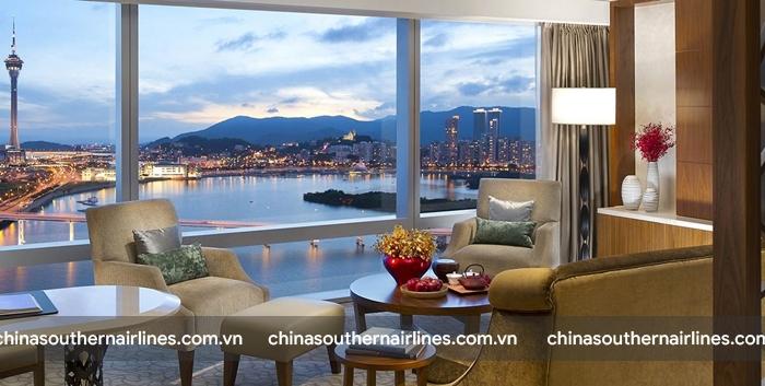 Landmark Mandarin Oriental Hong Kong có tầm nhìn ra vịnh cực kì xuất sắc
