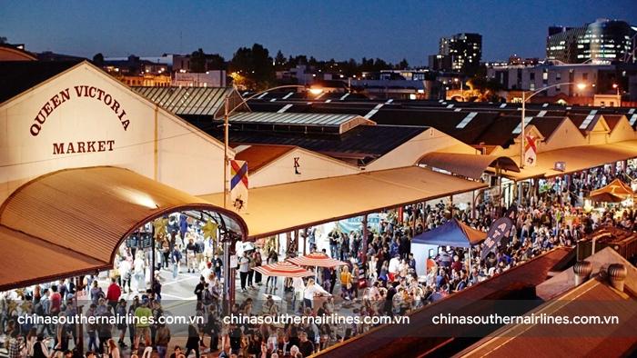 Chợ Queen Victoria luôn thu hút rất đông khách