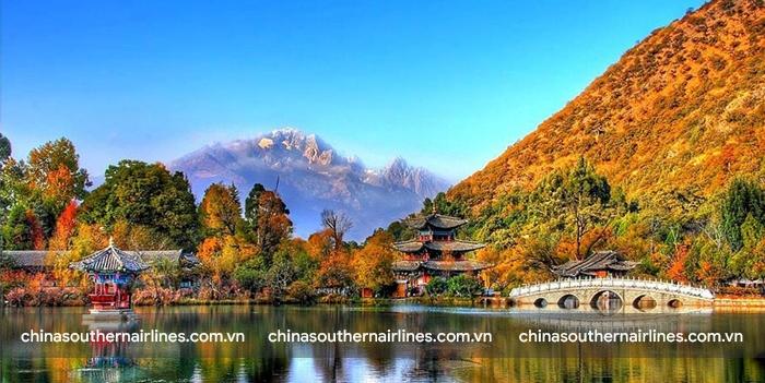 Tháng 10 đến tháng 4 là thời điểm đẹp nhất để đến Côn Minh