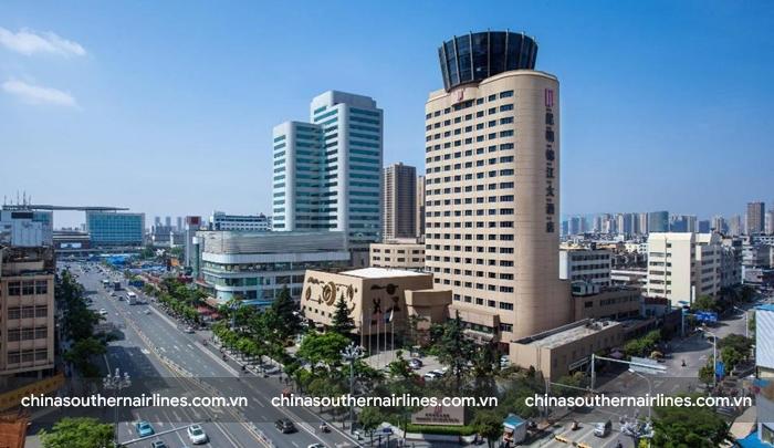 Kunming Jinjiang Hotel nằm giữa trung tâm thành phố