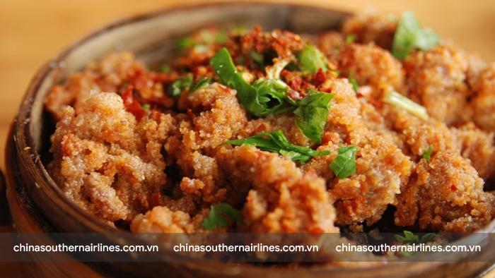 Thịt bò ướp gia vị hấp thố - món ăn khó học của người Thành Đô