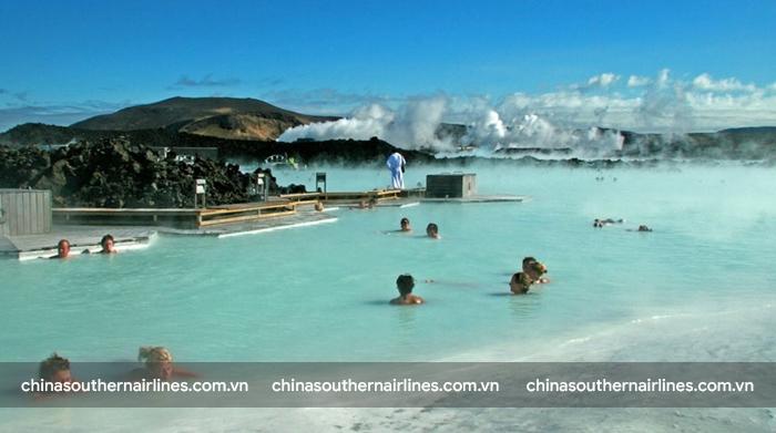 Yangbajain - suối nước nóng cao nhất thế giới thu hút rất đông du khách