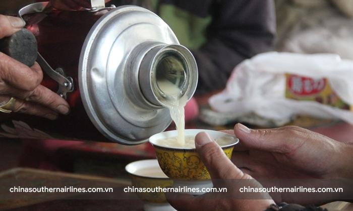 Trà bơ - thức uống chủ đạo của người Tây Tạng