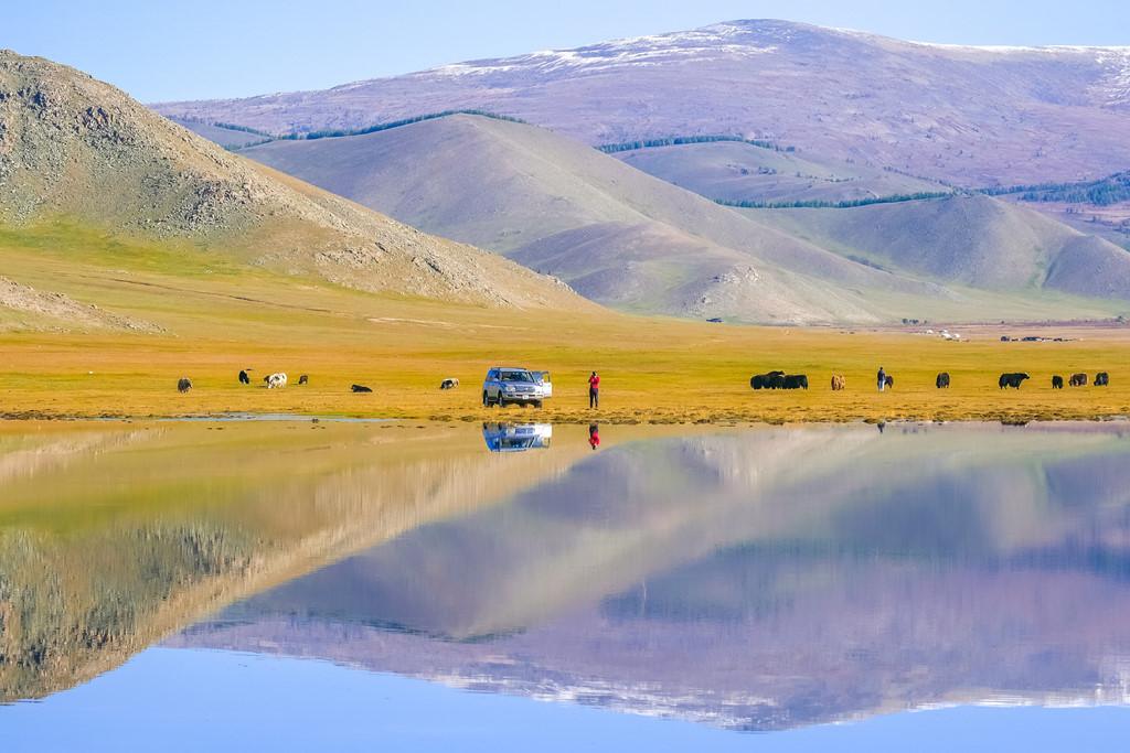 Vẻ đẹp của những con đường và hồ nước ngọt ở huyện Taxkorgan
